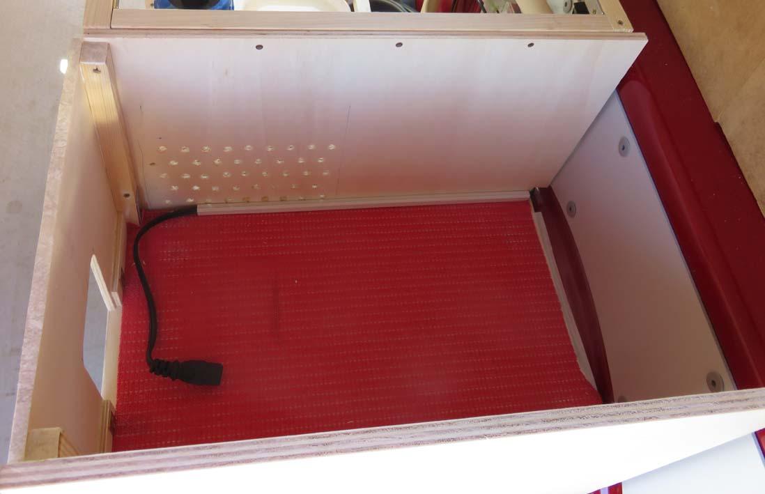 Konstruktion der Küchenmöbel für die Kühlbox Innenansicht