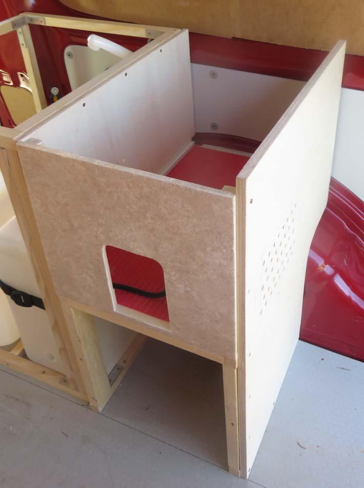 Konstruktion des Küchenmoduls für die Kühlbox