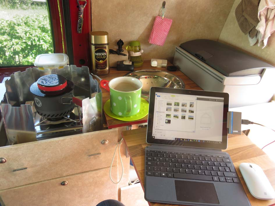 Kaffee + Büro im Wohnmobil