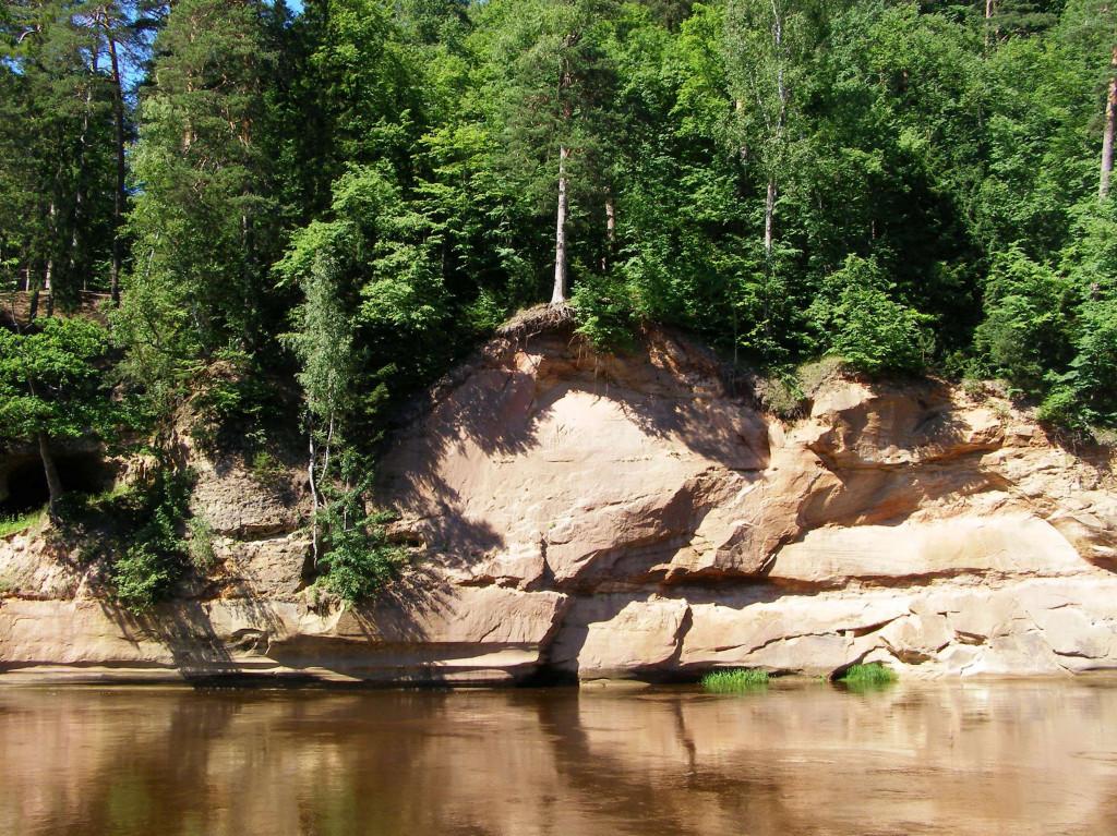 Sandsteinfelsen entlang der Gauja