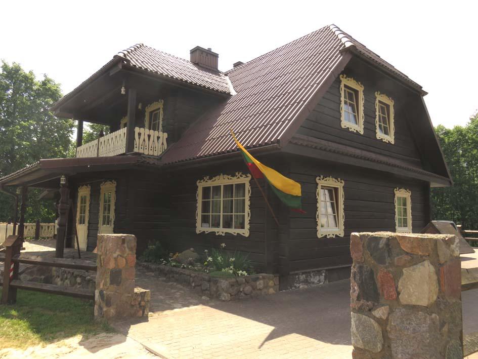 Litauische Holzhäuser