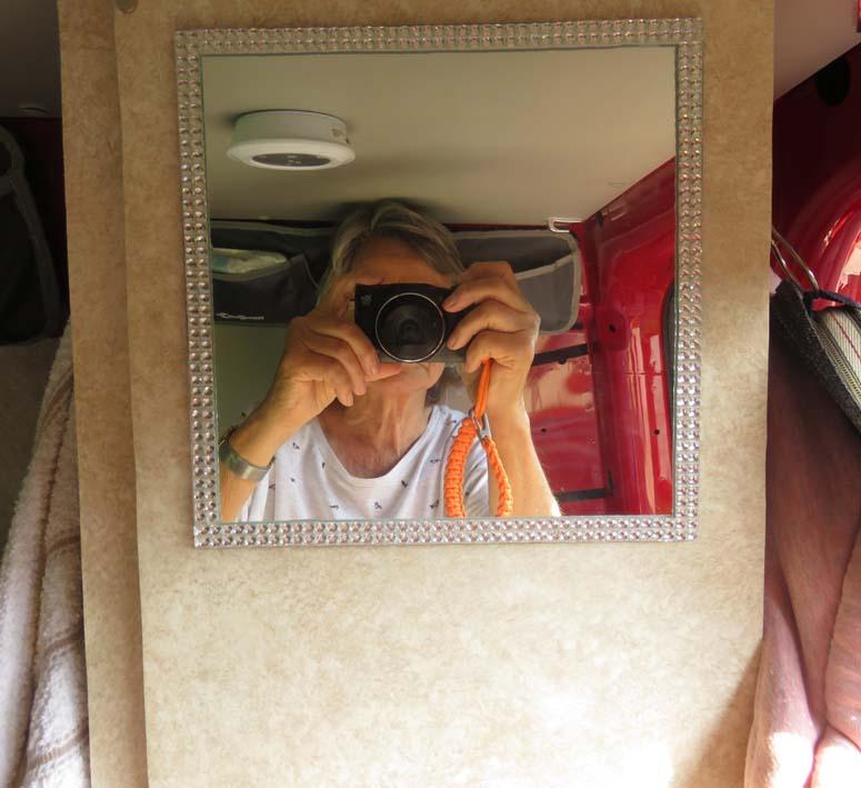 Spiegel mit Bling-Bling